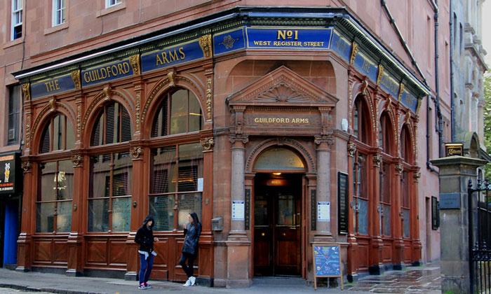 Паб Guildford Arms в Эдинбурге
