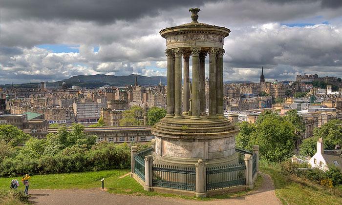 Памятник Дугалду Стюарту в Эдинбурге