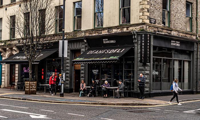 Ресторан-бистро «Deanesdeli» в Белфасте