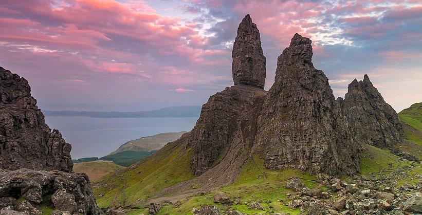 Скала Олд-Мен-оф-Сторр на острове Скай (Шотландия)