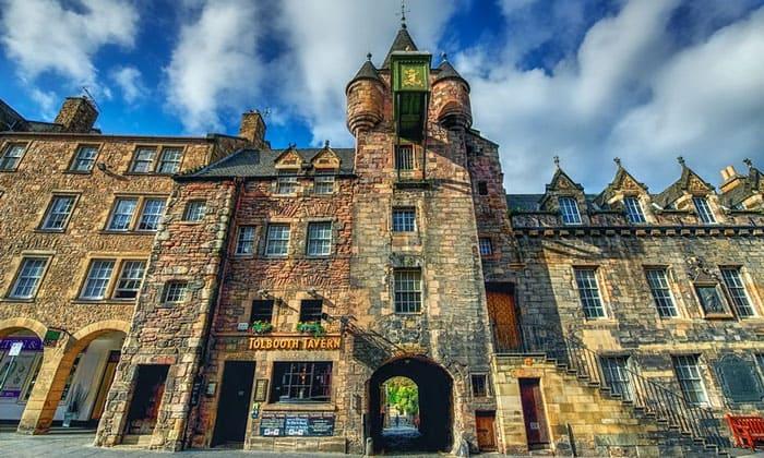 Таверна Tolbooth в Эдинбурге