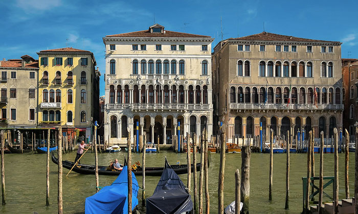Дворец Лоредан в Венеции