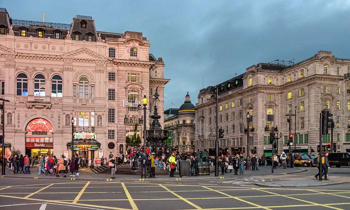 Площадь Пикадилли (Лондон)