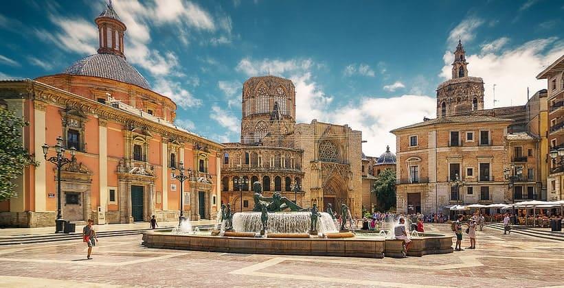 Площадь Святой Девы Марии в Валенсии