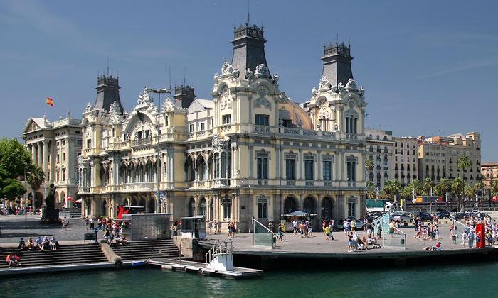 Центральное здание порта Барселоны