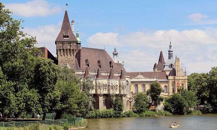 Замок Вайдахуньяд (Будапешт)