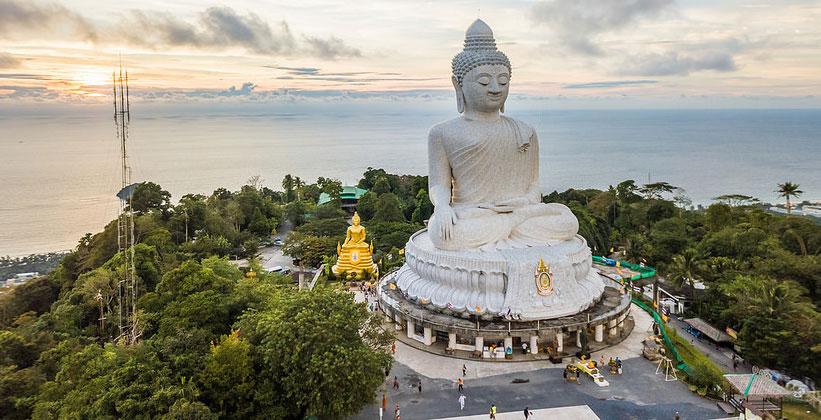 Большой Будда на острове Пхукет