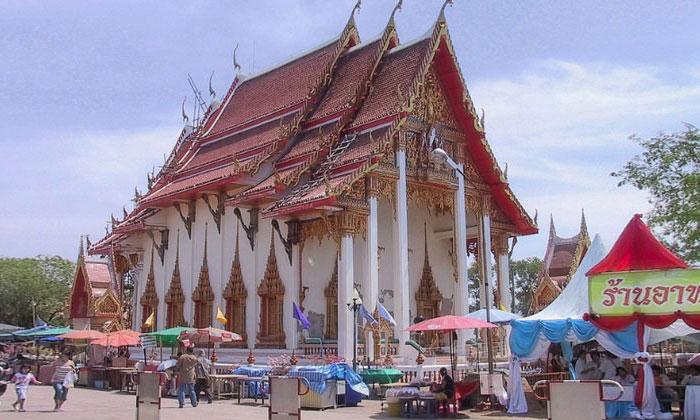 Храм Ват Чалонг на острове Пхукет