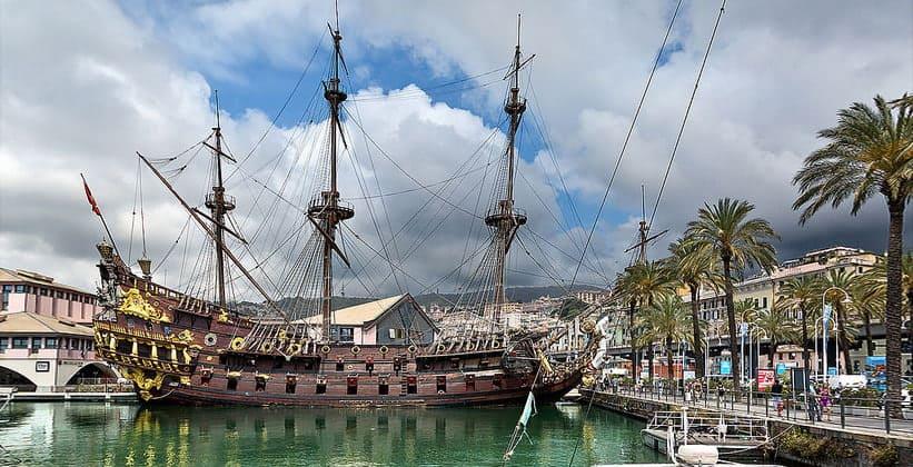 Корабль Нептун в Генуе