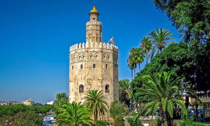 Башня Торре-дель-Оро в Севилье