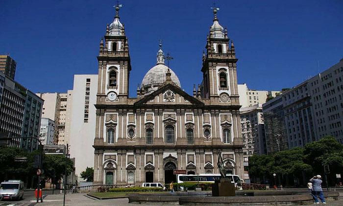 Церковь Канделария в Рио-де-Жанейро