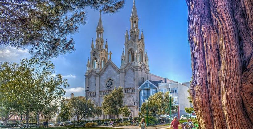 Церковь Святых Петра и Павла в Сан-Франциско