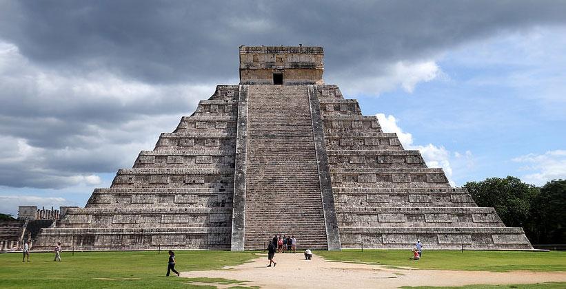 Центр майя Чичен-Ица в окрестностях Канкуна