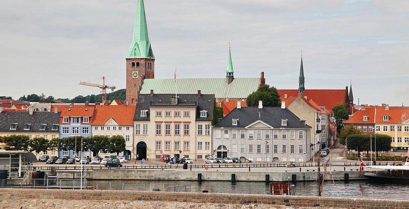 Город Хельсингёр в Дании