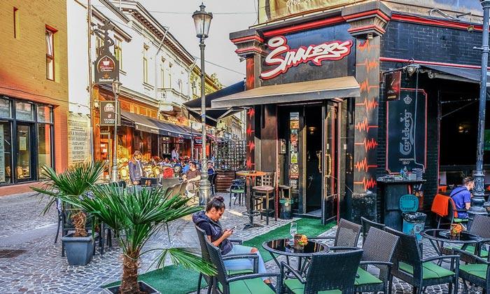 Бар Sinners в Бухаресте