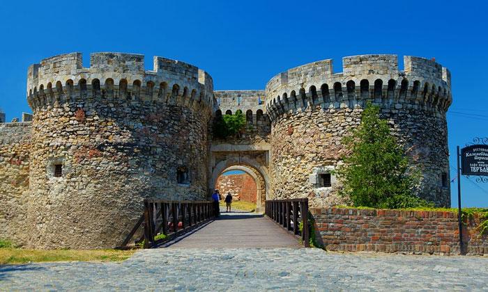 Зинданские ворота крепости Белграда
