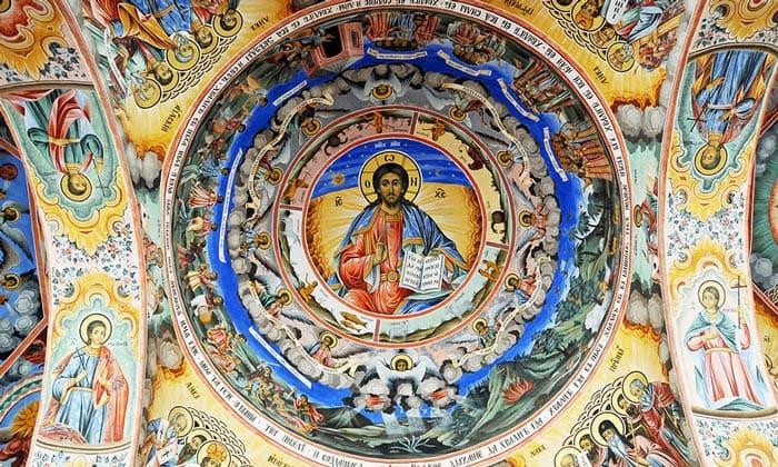 Фрески в главной церкви Рильского монастыря в Болгарии