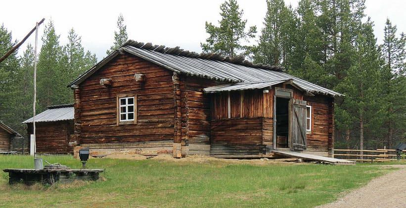 Одно из строений саамского музея в Финляндии