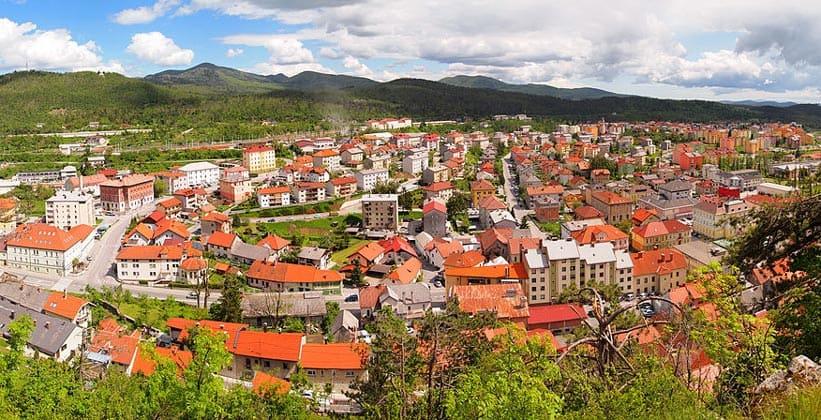 Город Постойна в Словении