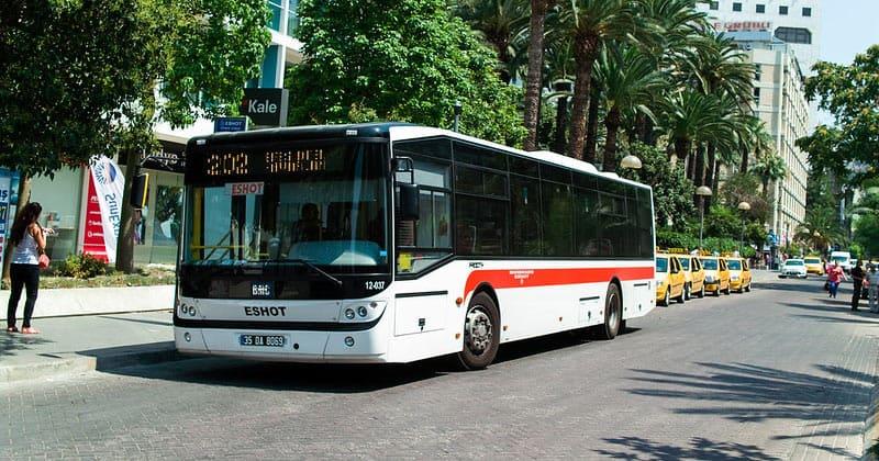 Муниципальный автобус Измира