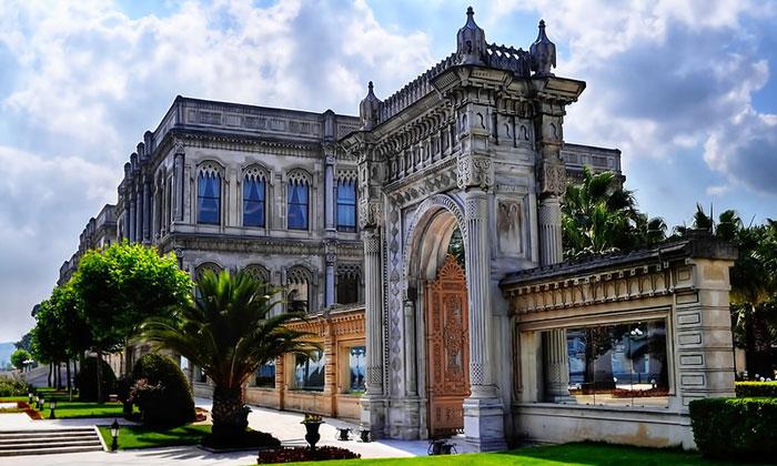 Отель (дворец) «Cıragan» в Стамбуле
