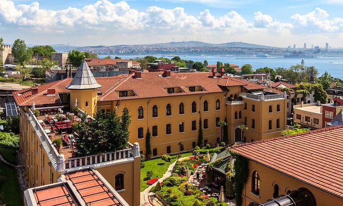 Отель «Four Seasons» в Стамбуле