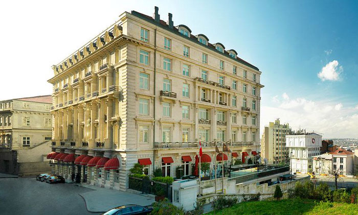 Отель «Pera Palace» в Стамбуле