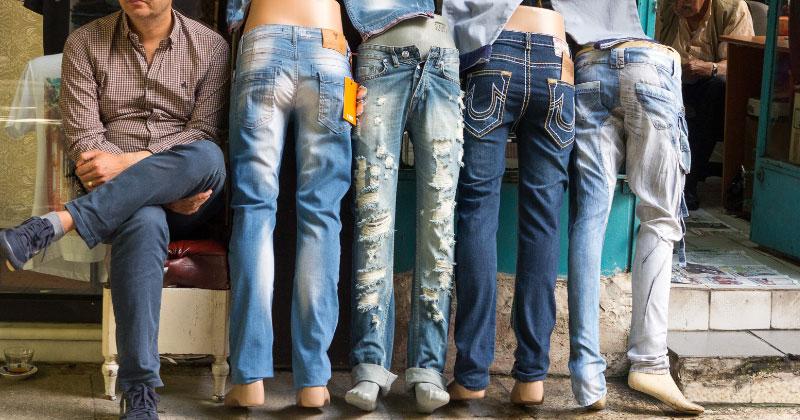 Турецкие джинсы на рынке Стамбула