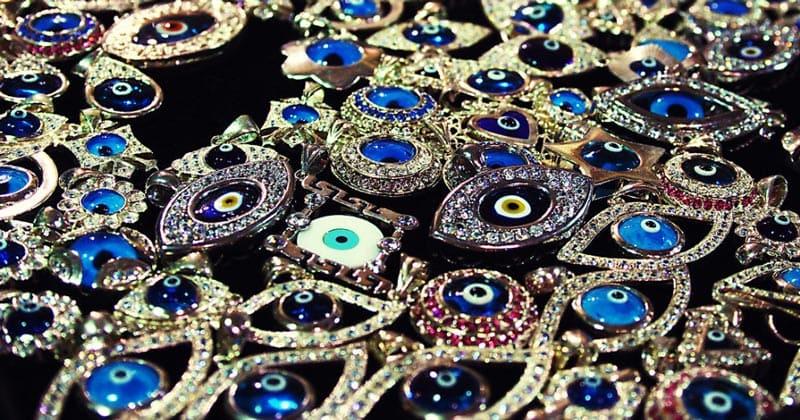 Ювелирные изделия Злые Глаза на Большом рынке Стамбула