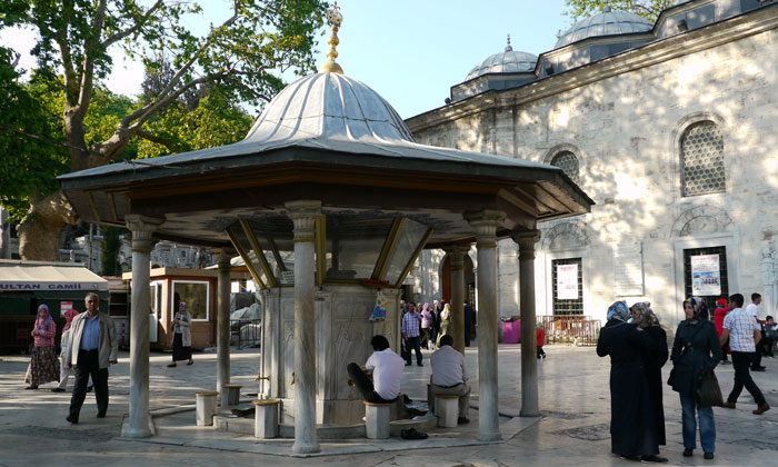 Фонтан омовения мечети Эйюпа в Стамбуле