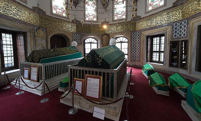 Гробницы Мустафы III и Селима III в Стамбуле
