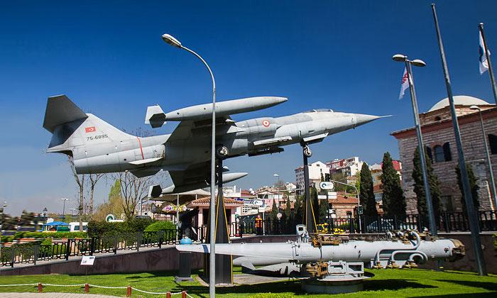 Истребитель F-104 «Старфайтер» в Стамбуле