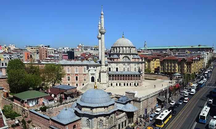 Комплекс Лалели в Стамбуле