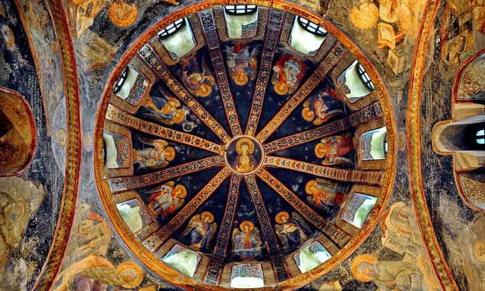 Свод купола пареклесия музея Карие в Стамбуле