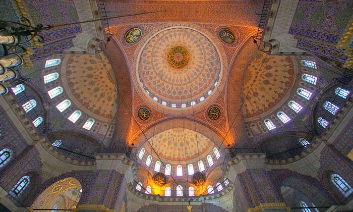 Купола Новой мечети Стамбула