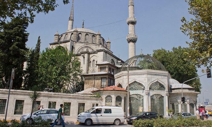 Мечеть Йени Валиде в Стамбуле