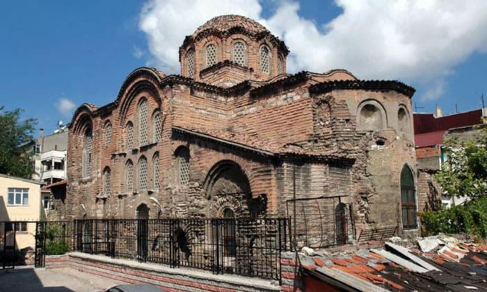 Мечеть Эски Имарет в Стамбуле