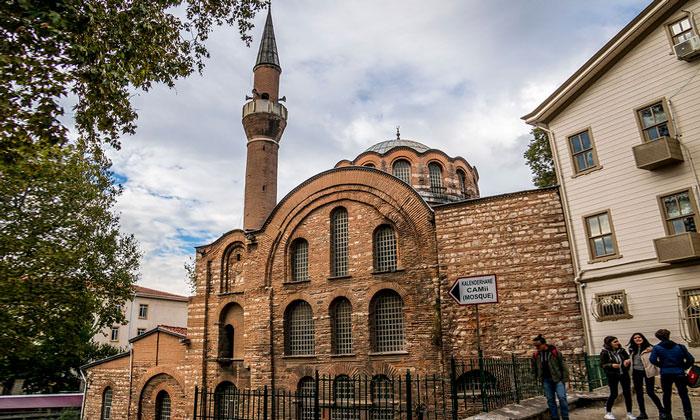 Мечеть Календерхане в Стамбуле