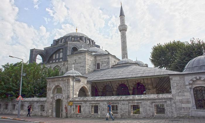 Мечеть Кылыч Али-паши в Стамбуле
