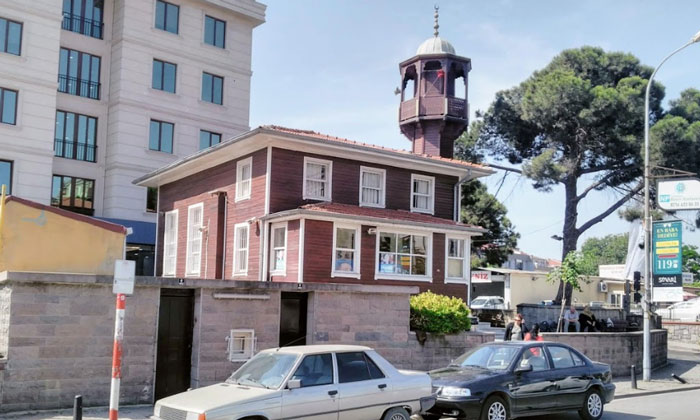 Деревянная мечеть Намазгах в Стамбуле