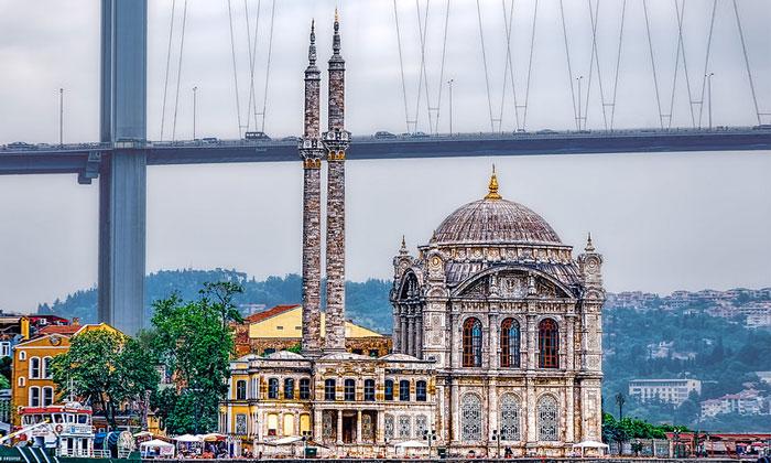 Мечеть Ортакёй (Меджидие) в Стамбуле