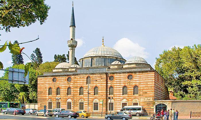 Мечеть Синана-паши в Стамбуле