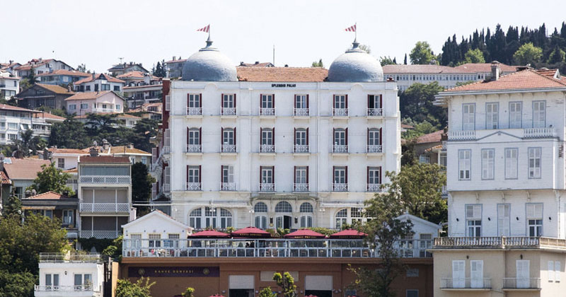 Отель Splendid Palace на острове Бююкада