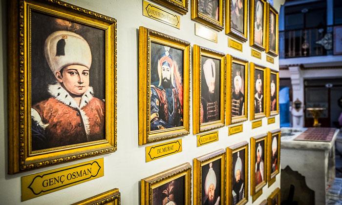 Портреты султанов в хаммаме Кагалоглу Стамбула