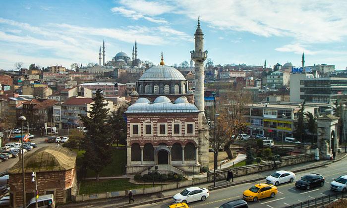 Район Зейрек (мечеть Себсефа Хатун) в Стамбуле