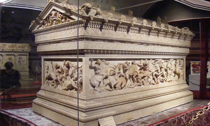 Саркофаг Александра Македонского в Стамбуле