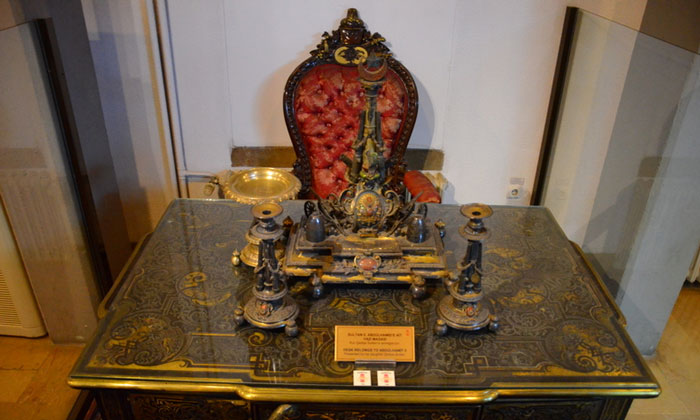 Стол султана Абдул-Хамида II Военного музея Стамбула