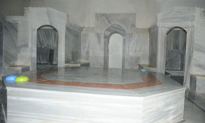 Внутри Изразцовых бань Стамбула