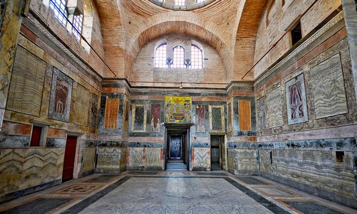 Внутри музея Карие в Стамбуле