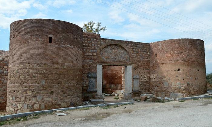 Ворота «Лефке» в Изнике
